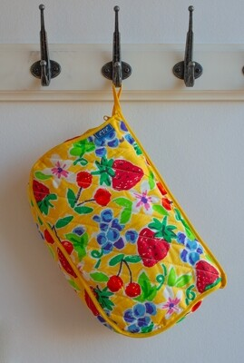 Retro fruit bathroom bag