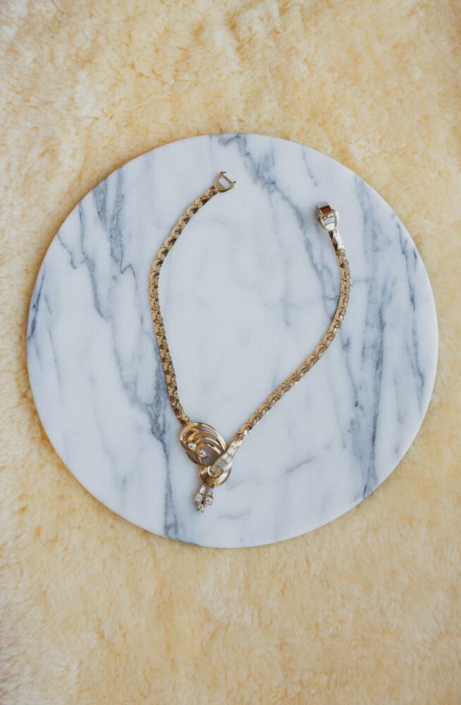 Retro choker length necklace