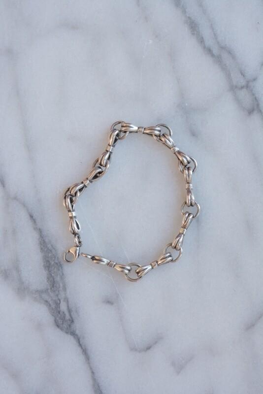 Silver bow bracelet