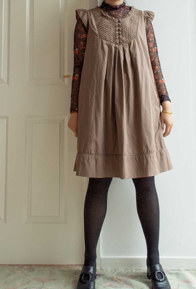 Brown quilted dress M