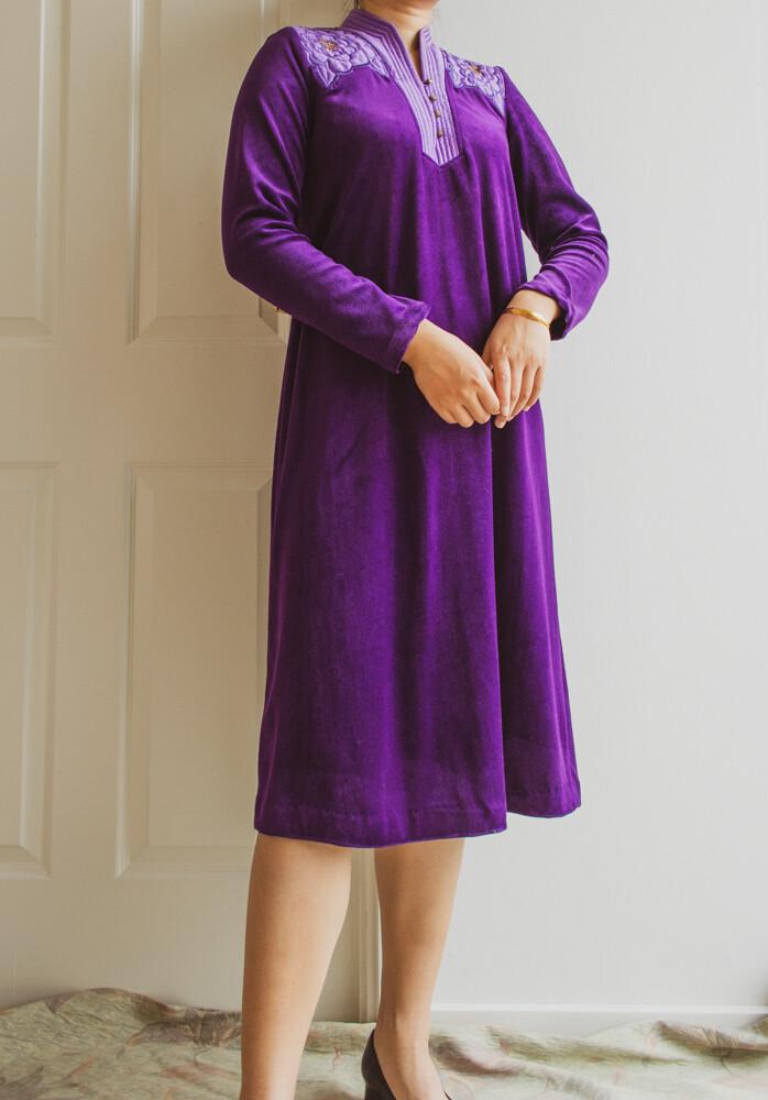 Dark purple velvet dress S/M