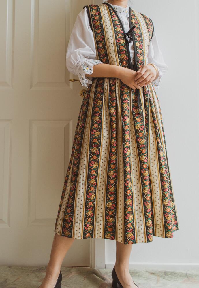 Flower vest and skirt set S/M