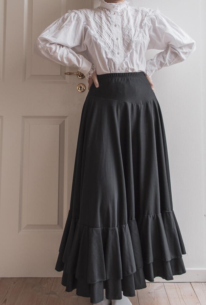 White cotton lace blouse M/L