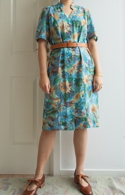 Light retro dress L