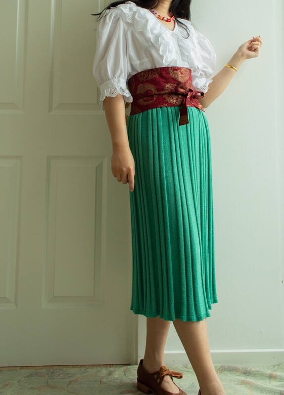 Simple green skirt M/L