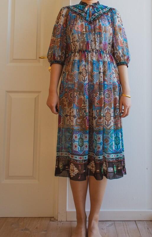 See-through blue dress M/S