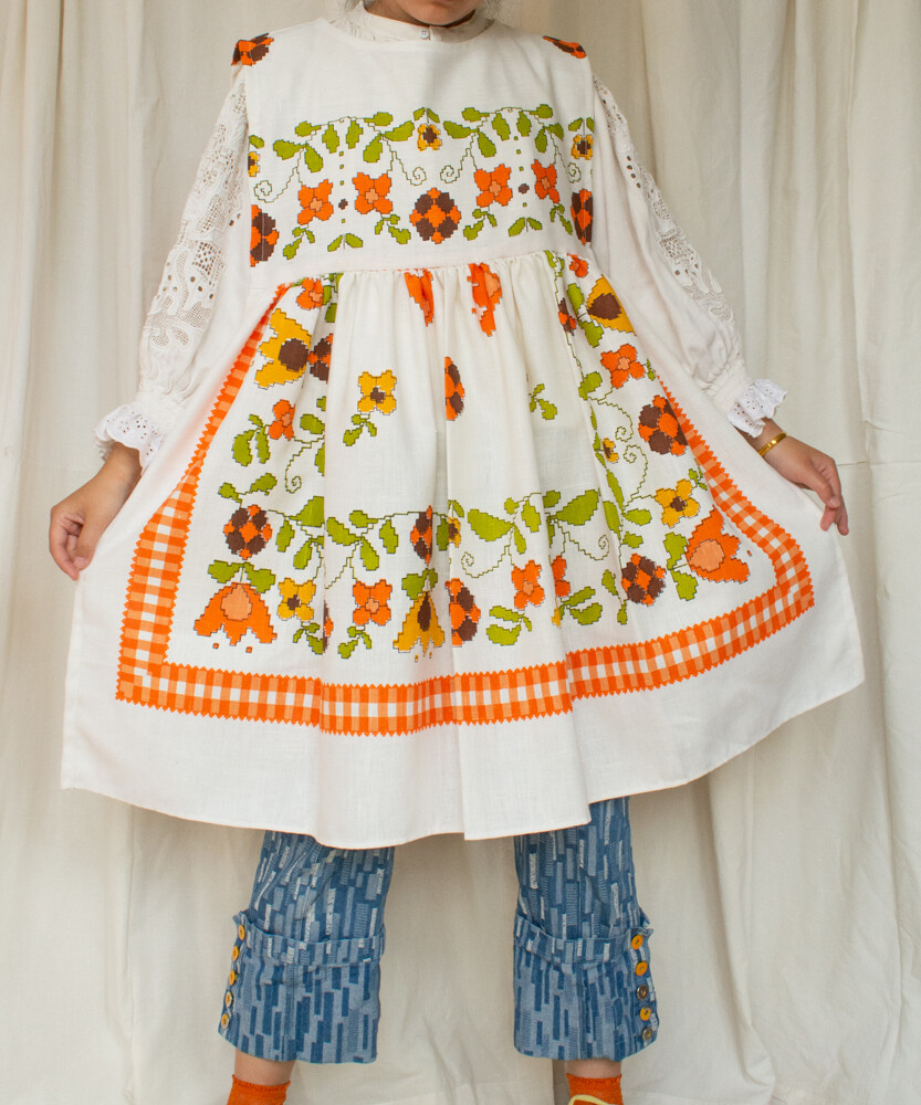 Alice redesign white dress M/L