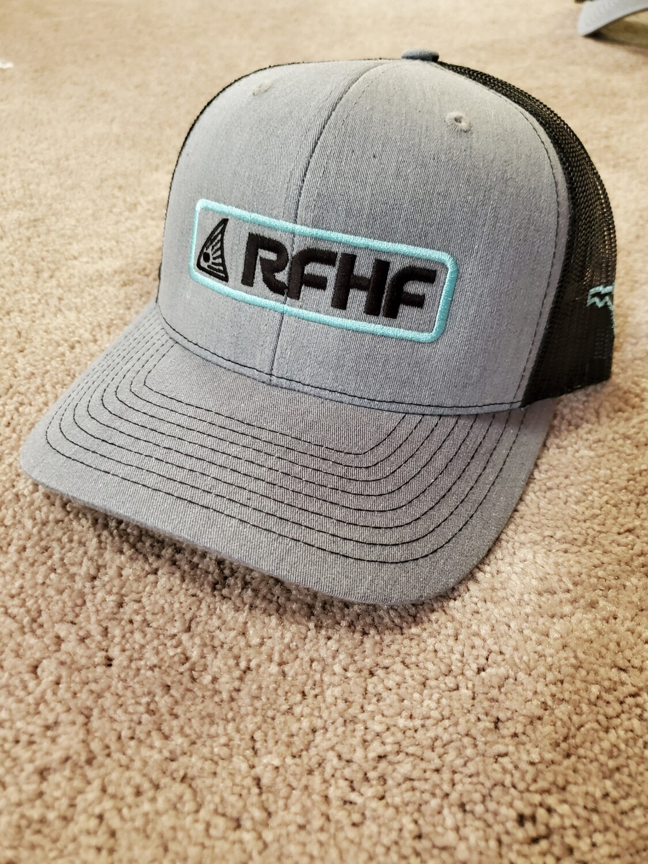 Richardson 112 heather grey black back/redfish logo