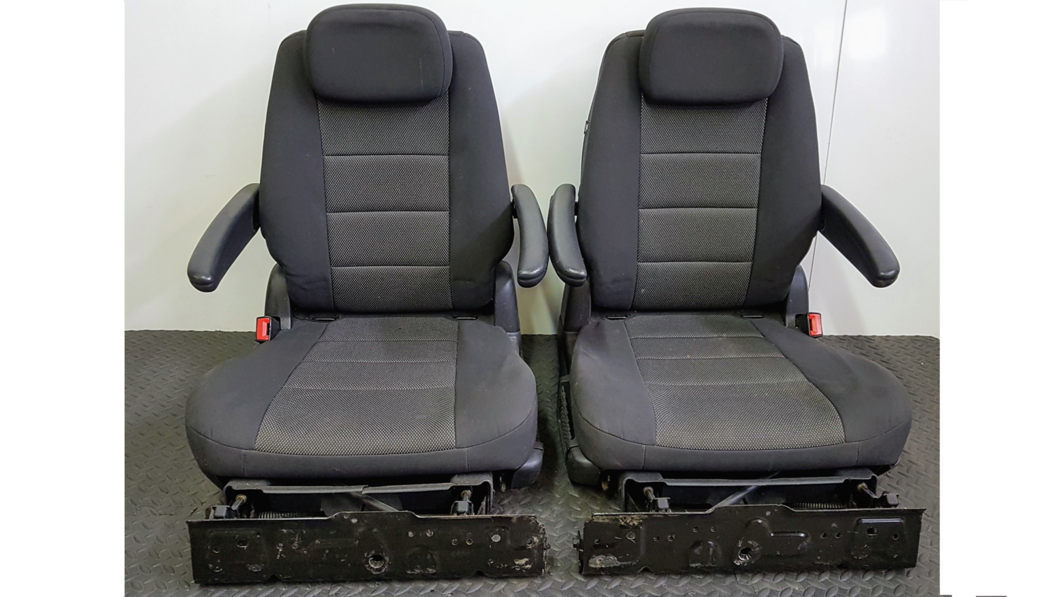 Stow 'n Go Seats