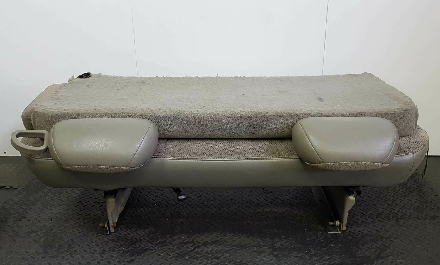 3 Passengers Fixed Bench Seat