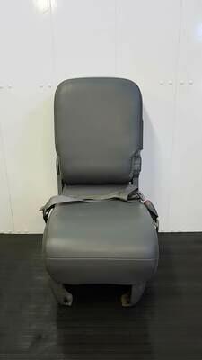 Centre Seat w/o Compartment