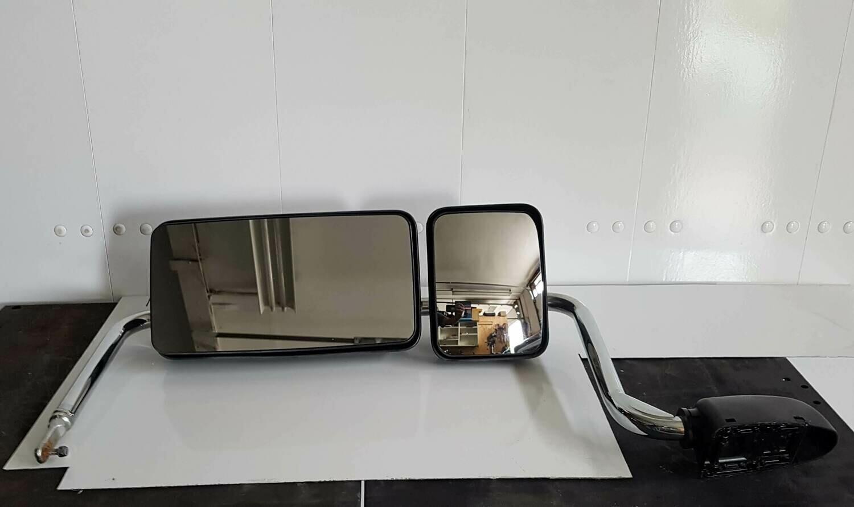 Hino Powered Mirror