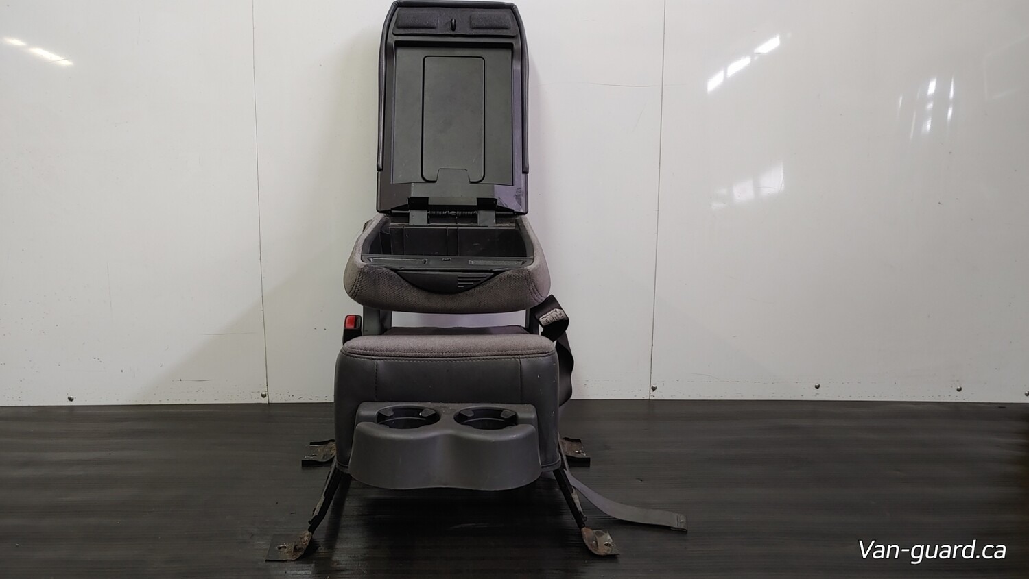 Centre Seat W/ Compartment & Cupholder