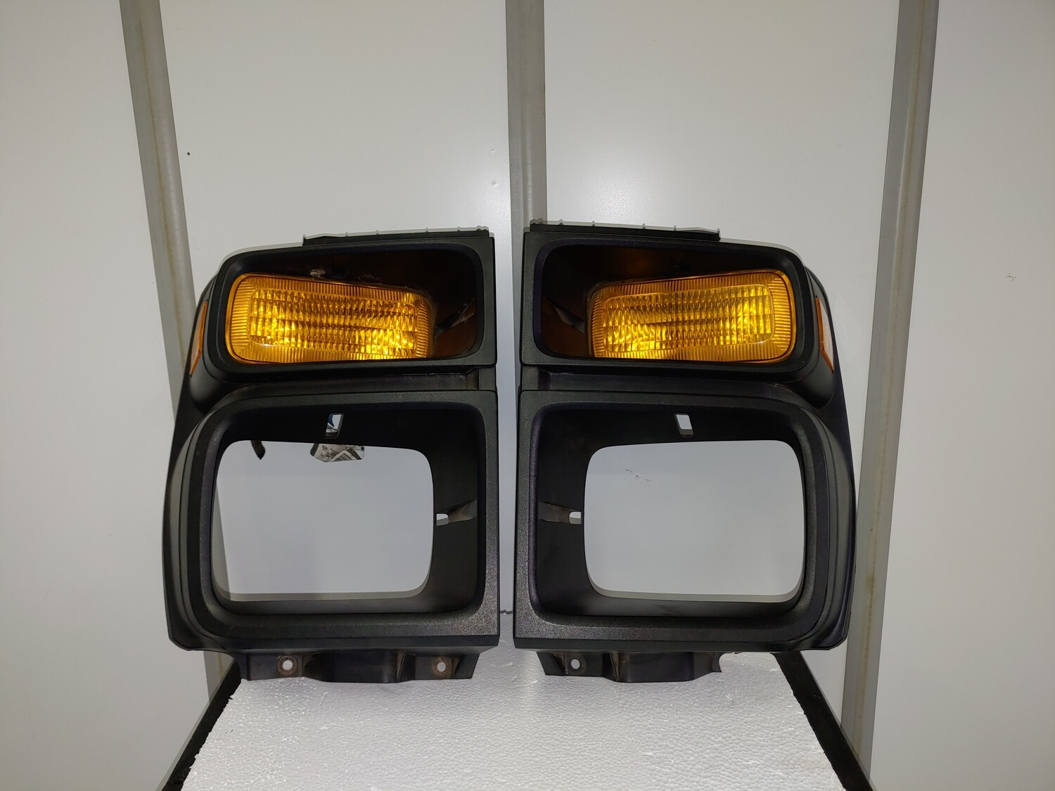 Ford E-Series Front Lights Trim