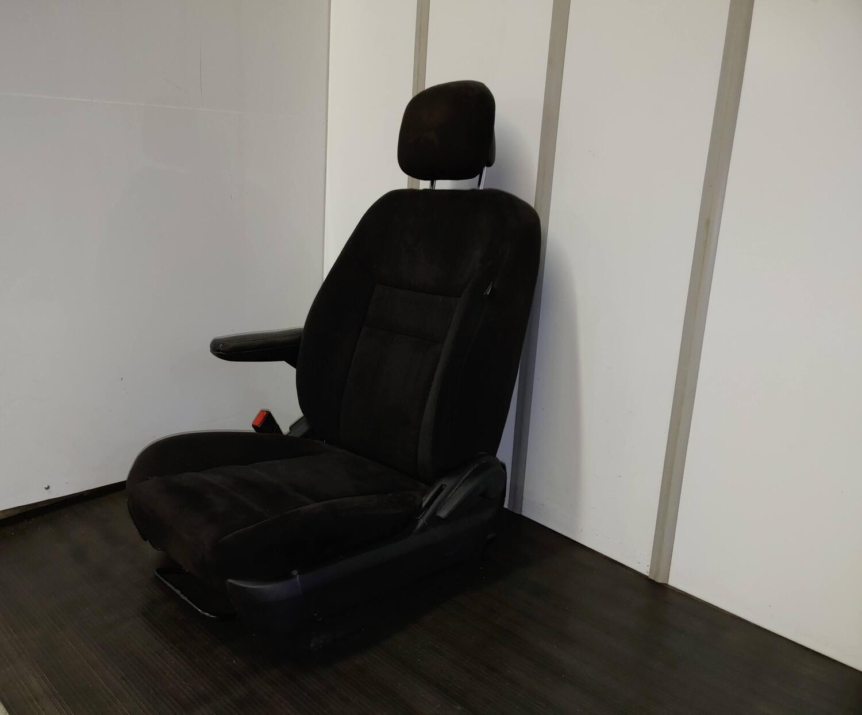 Dodge Caravan Driver Seat - Black Cloth