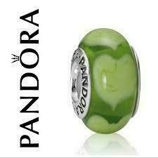 PANDORA - MURANO GLASS GREEN HEART CHARM