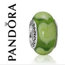 PANDORA - MURANO GLASS GREEN HEART CHARM