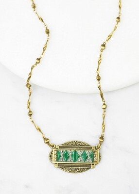 Vintage Art Deco Green Glass Necklace /N818B