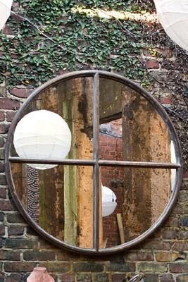round portal mirror