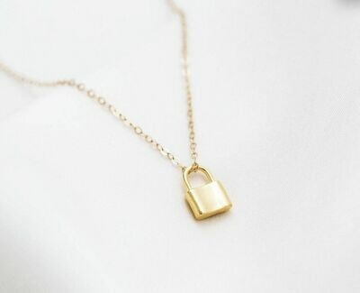 """Delicate Chain & Lock 16"""" Necklace /20472"""