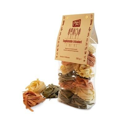 Traditionelle, italienische Pasta Tagliatelle