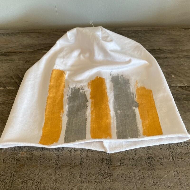 White roll bottom cotton beanie w/paint strokes
