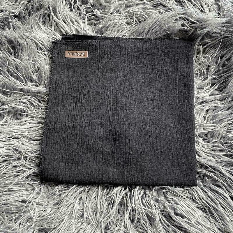 Black textured solid tichel