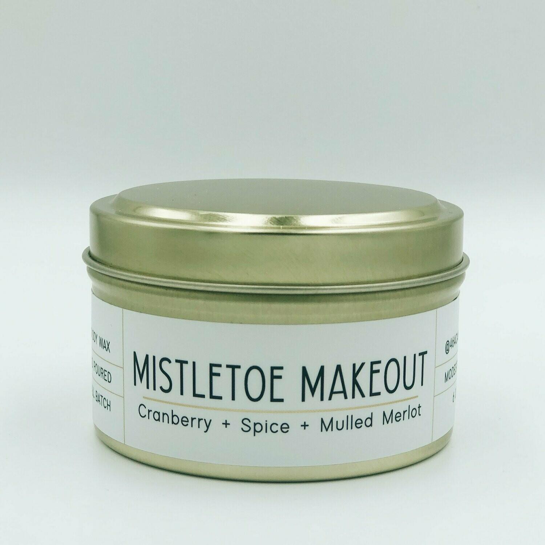 464 Mistletoe Makeout 6oz tin