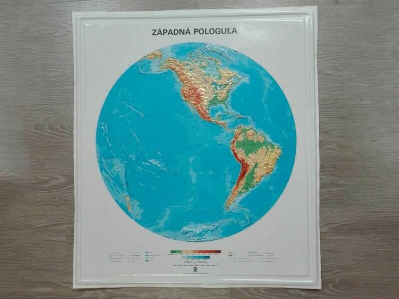 Reliéfna mapa západnej pologule