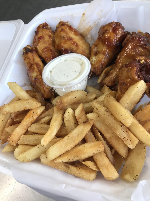 5 Wings w/ Fries