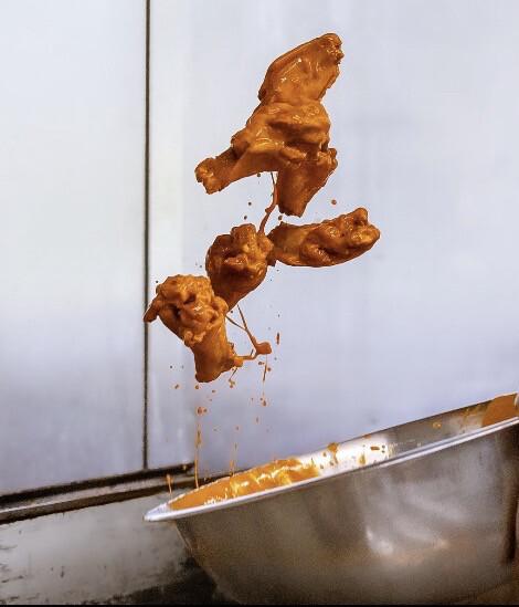 10 Wings w/ Fries
