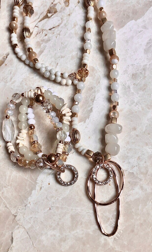 WL Necklace White Agate, Mother of Pearl