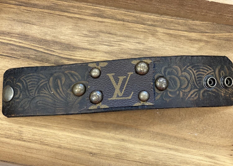 "LV Cuff Bracelet 9"" (D)"