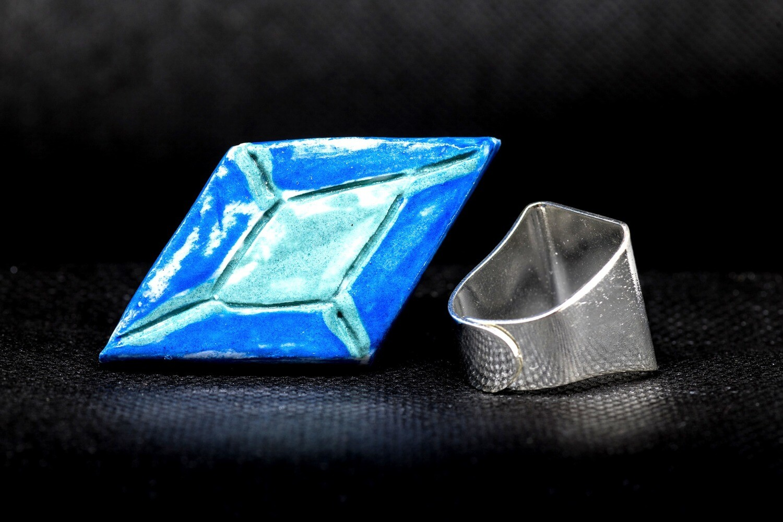 RI126 Blue and Green Diamond