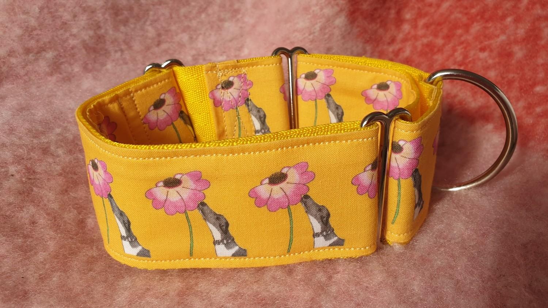 Collar 'Just Sniffing' Design on Fabric Jane Wren