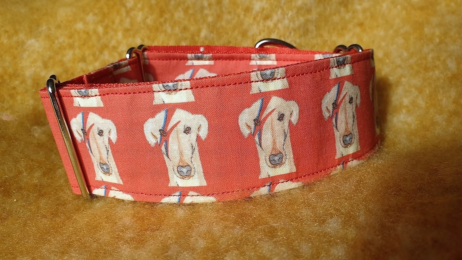 Collar 'Ziggy Star Dog' in Red On Fabric by Jane Wren