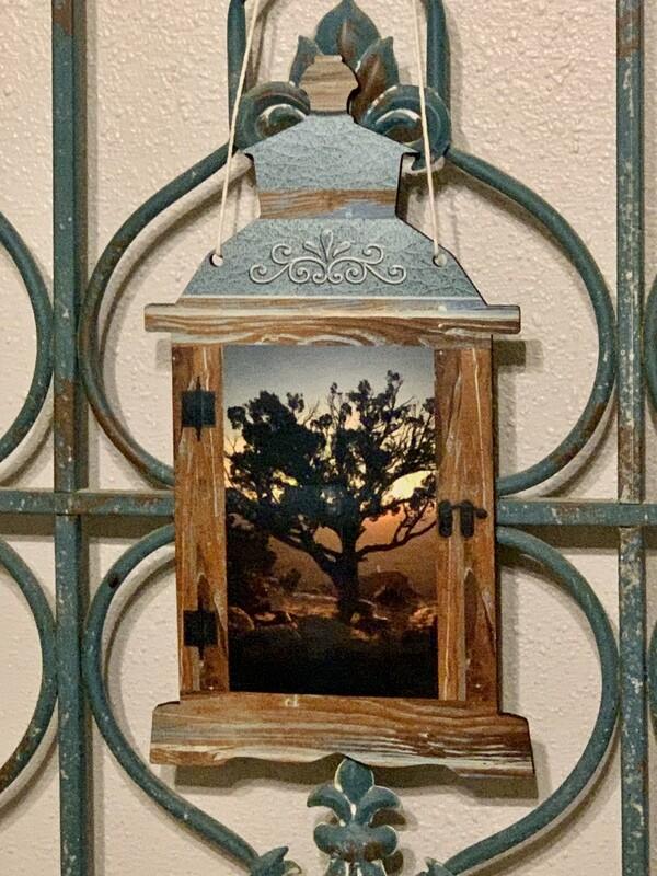 Beautiful Lantern Door/Wall hanger