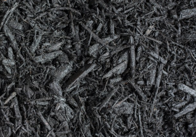 Black Dyed Hardwood Mulch
