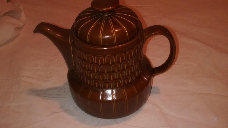 LOVELY BROWN WEDGEWOOD VINTAGE/RETRO COFFEE POT