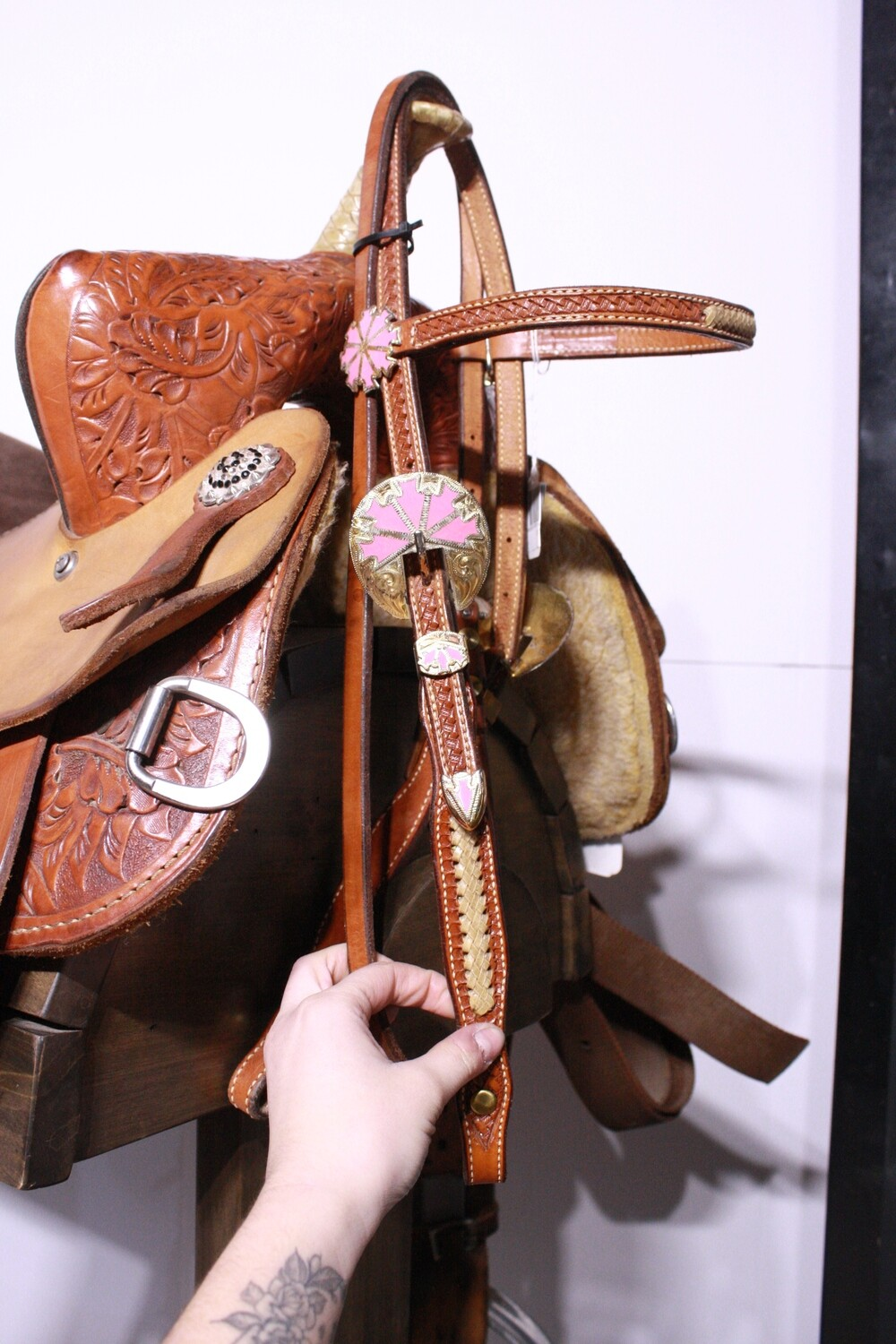 Med Oil Head Stall Brow band with Gold/Pink Conchos and Rawhide