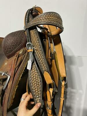 Light Oil Browband HeadStall and Breast Collar Set-Studded with Scale Pattern