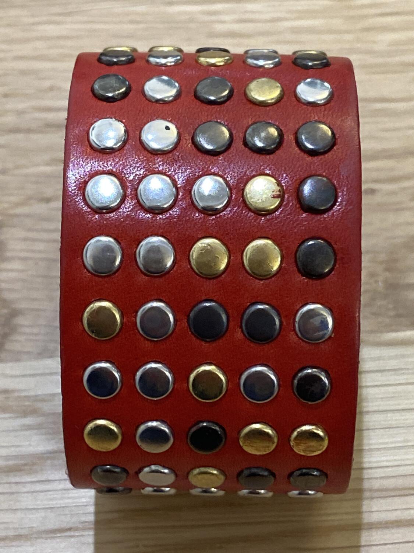 Streets Bracelet Red Stud 4004