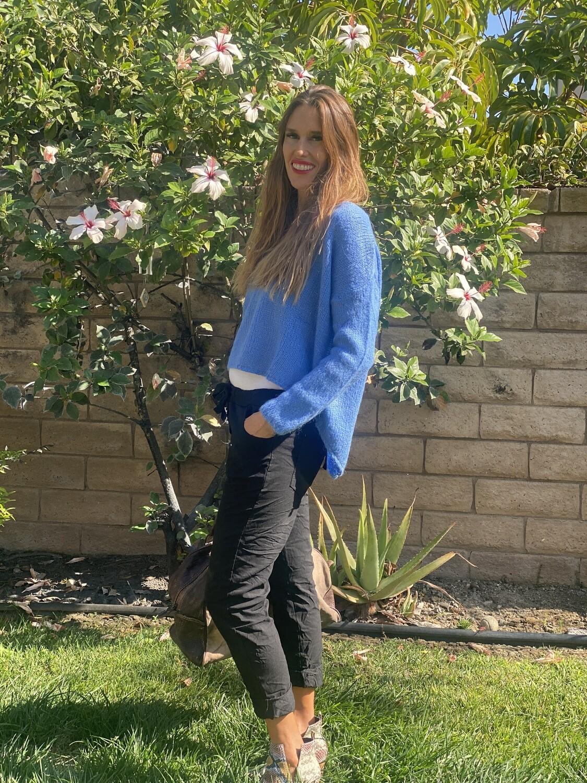 Venti6 Long-Sleeve Corn Flower Asymmetrical Hem Blue Sweater