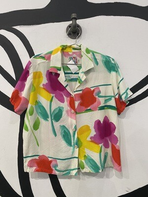 Lightweight Crinkle Revere Collar Top in Floral Watercolor Print - Size Women's S