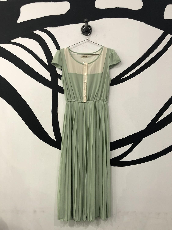 Mint Green Buttoned Cinch Waist Pleated Dress Size S