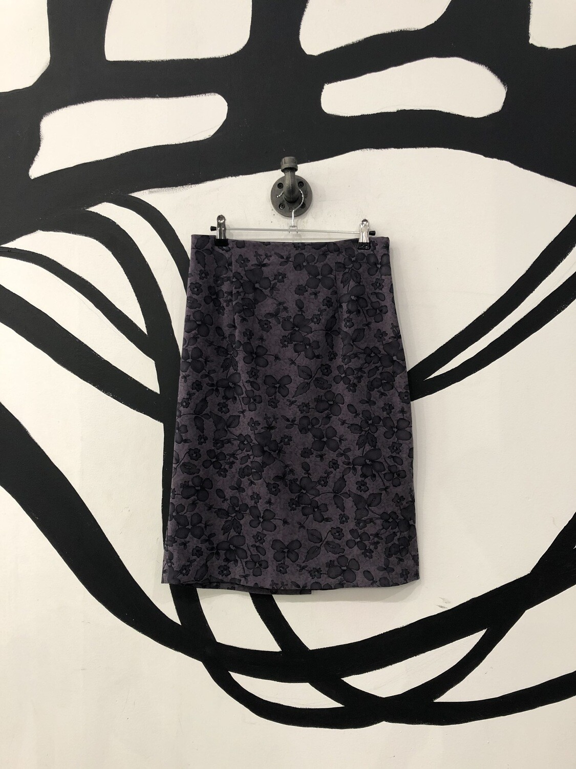 Purple Floral Knee Length Skirt Size M
