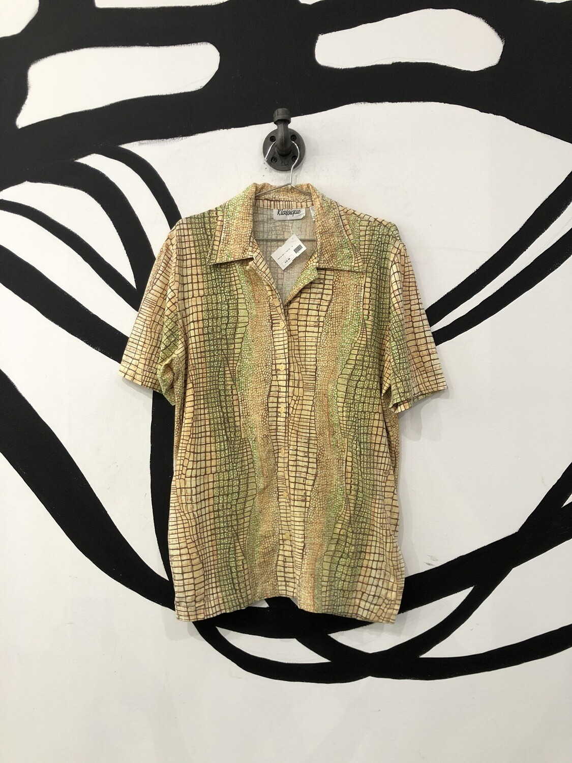 Reptile Print Button Up Shirt Size M