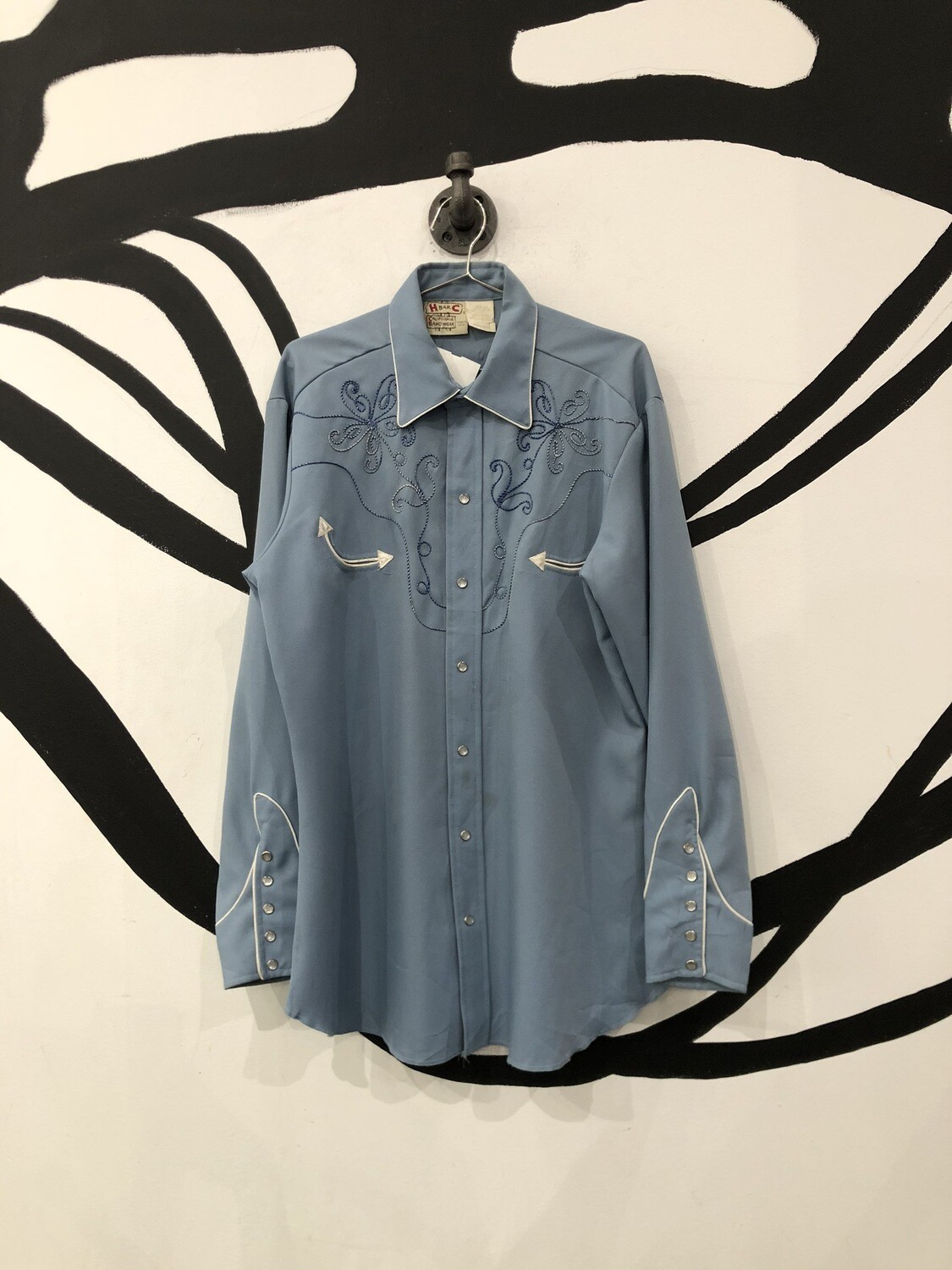 Western Embroidered Button Up Size L