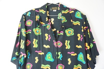Season Design Button Up Size XL