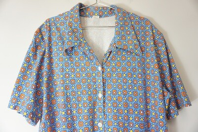 Daisy Print Button Up Size 3X